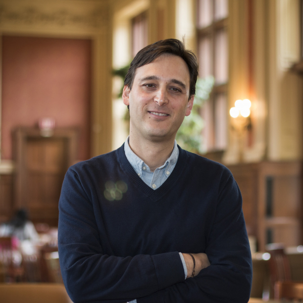Prof. Ignacio Infante Receives Emerson's 2020 Excellence in Teaching Award